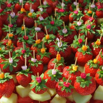 Kathy Kolibry - Bouchées sucrées brochettes de fruits